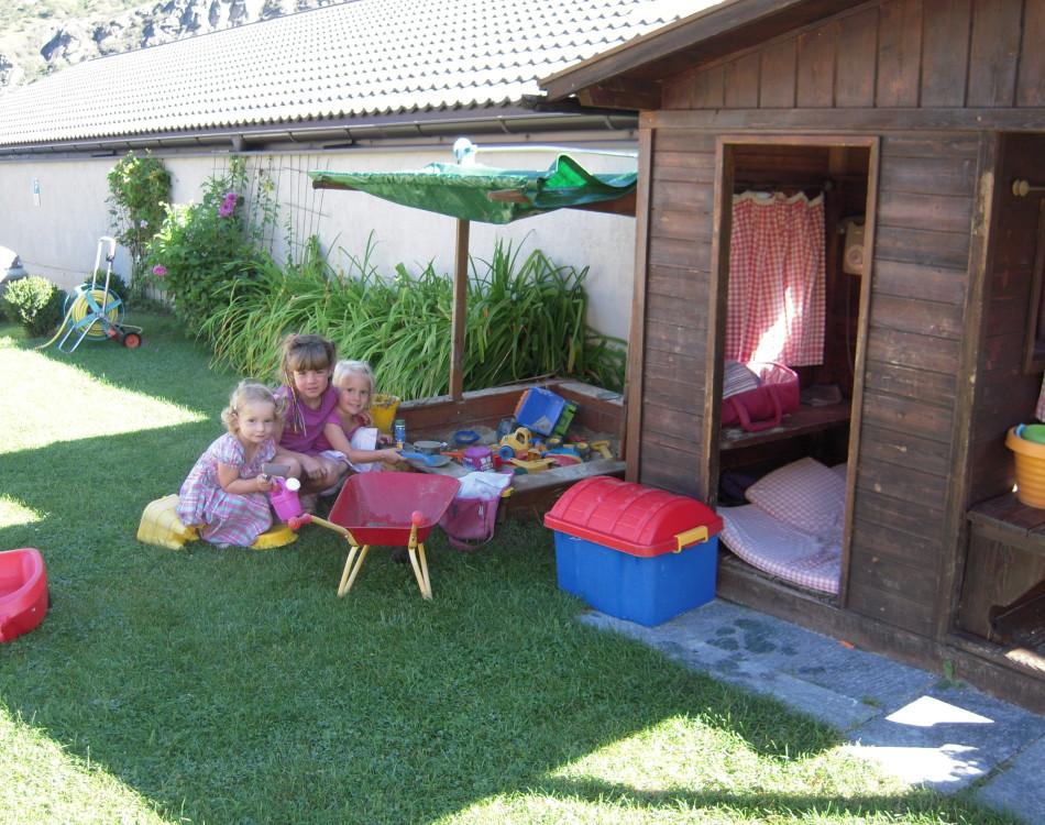 Unsere Kinder im Garten